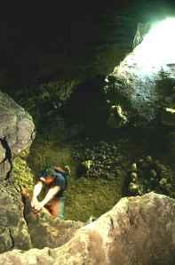 Grotte dans la vallée de la Siagne